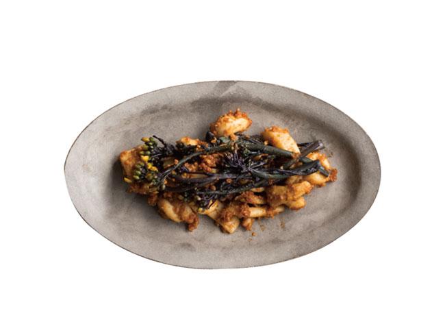 いかと赤菜花の煎り大豆バンバンジー風