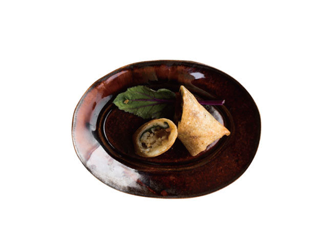 よもぎ餅と荏胡麻葉の春巻